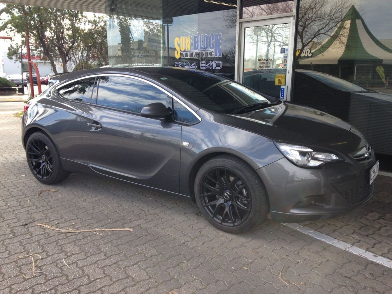 Opel Astra Carbon Series